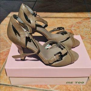 NWT Jazara  high-heel sandal